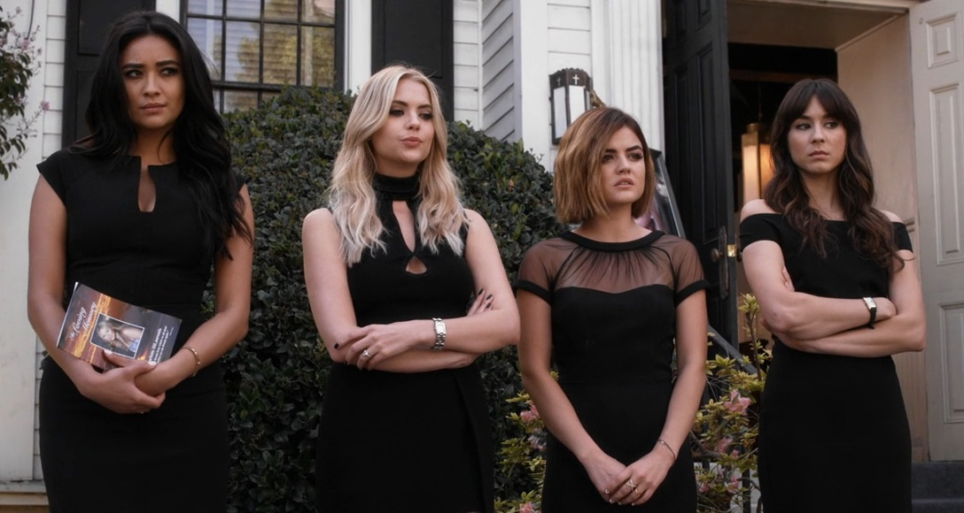 All the ways last night's 'Pretty Little Liars' was just the pilot all over again