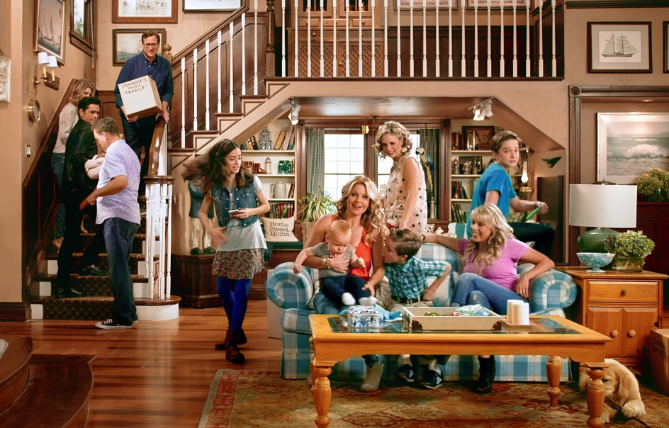 "Netflix just dropped a brand new trailer for ""Fuller House"""