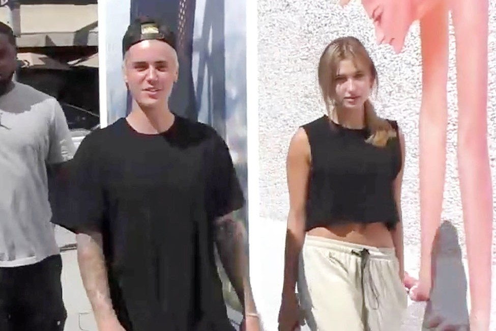 LOS ANGELES, CA - OCTOBER 07:  Justin Bieber and Hailey Baldwin are  seen on October 7, 2015 in Los Angeles, CA.  (Photo by JMA/Star Max/GC Images)