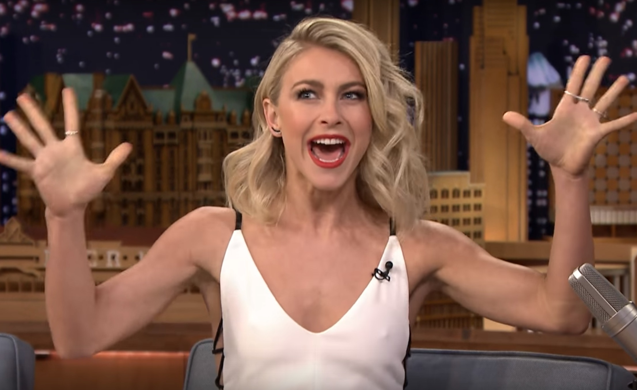 """Julianne Hough's 'Tonight Show' interview just got us SO excited for """"Grease: Live"""""""