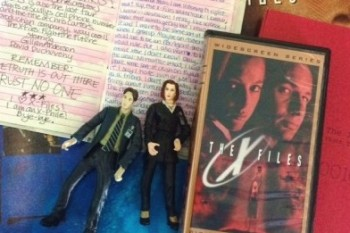 "An ""X-Files"" fangirl bares her ""X-Files"" loving soul"