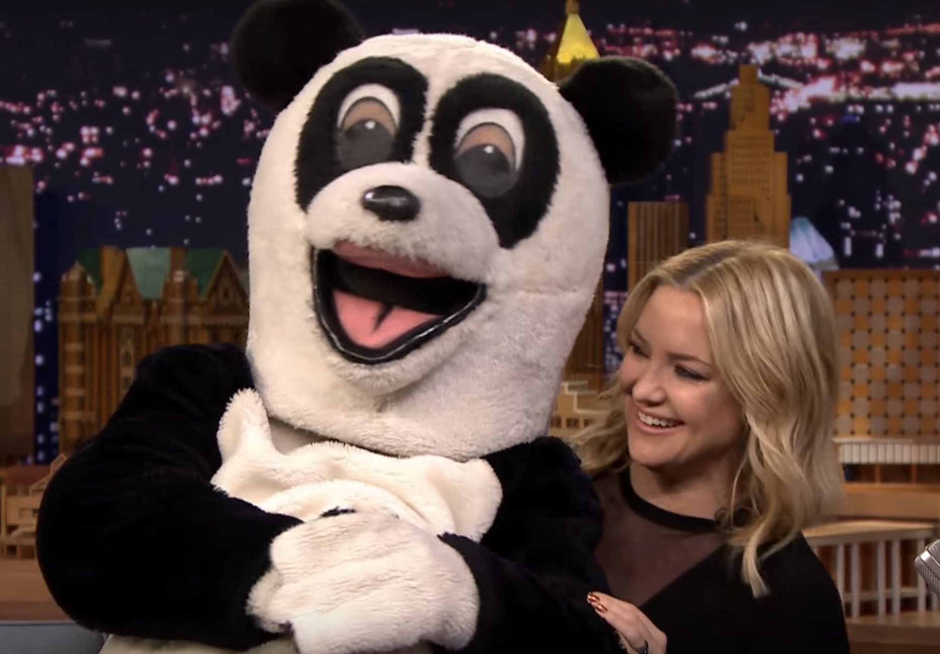 """Kate Hudson met a new rare breed of panda on """"The Tonight Show"""""""
