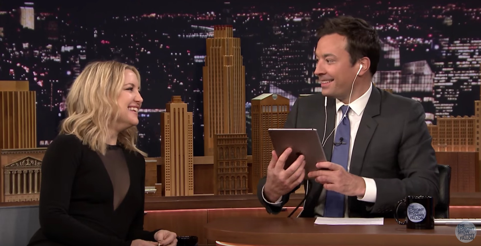 "You need to listen to Kate Hudson Dubsmash Adele's ""Hello"""