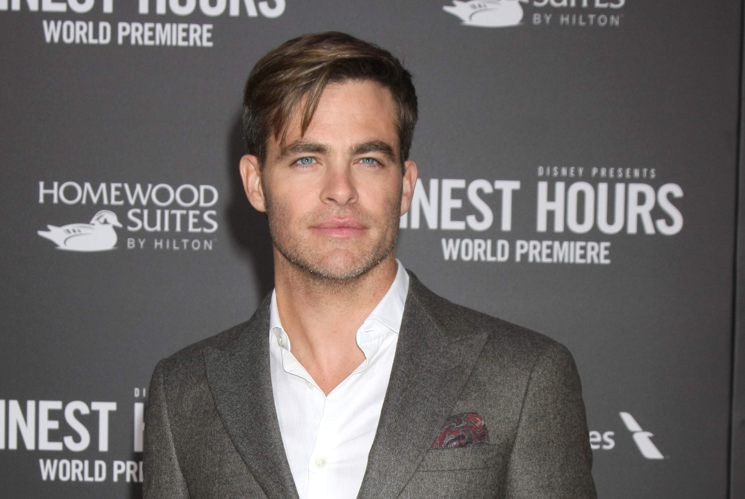 Chris Pine just said some super relatable things about anxiety