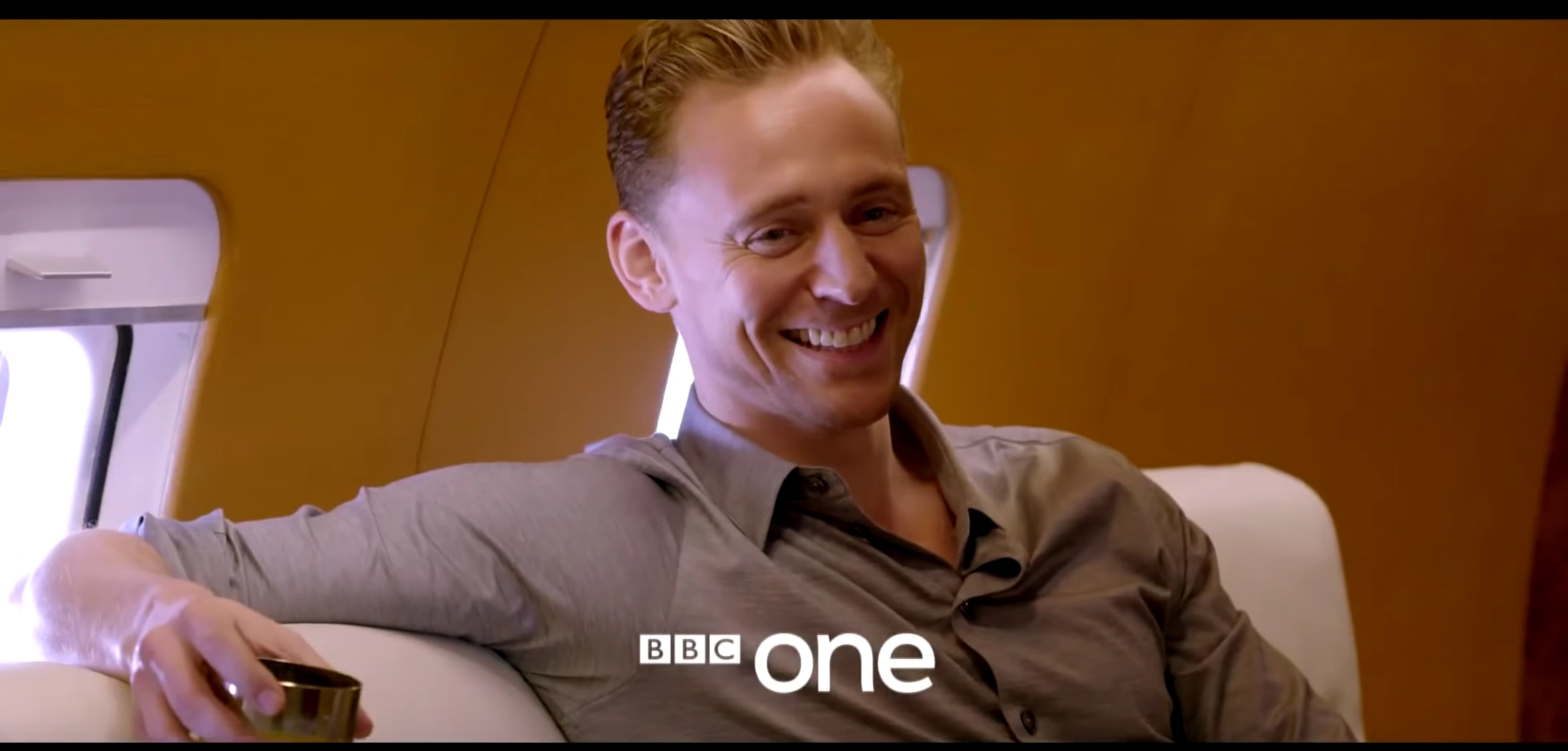 Tom Hiddleston and his blue eyes are starring in a brand new limited-series thriller