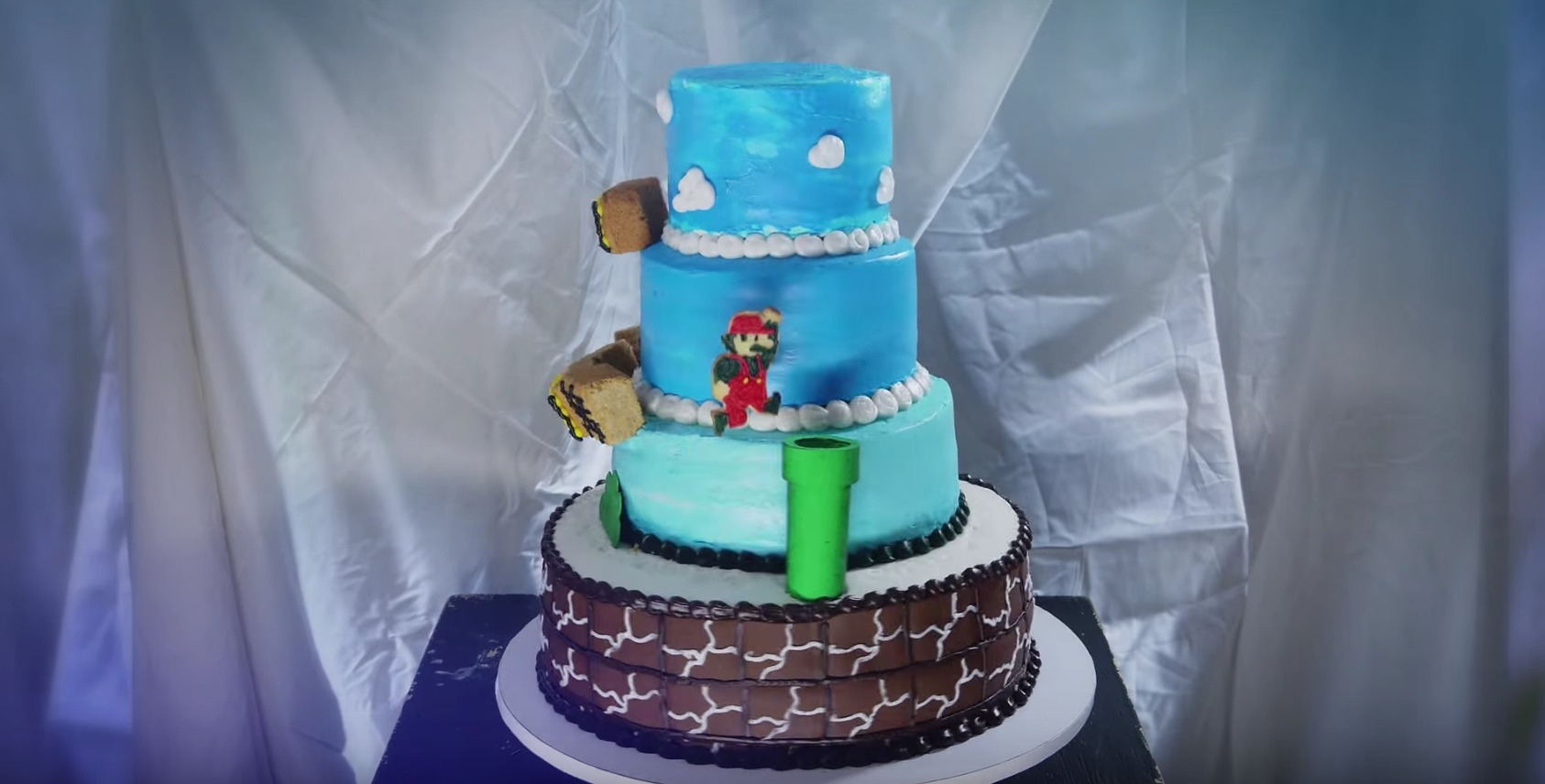 Geeking out over this amazing Super Mario Bros. cake animation