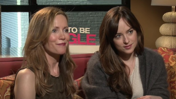 Leslie Mann and Dakota Johnson are very good at flirting, prove it in this new interview