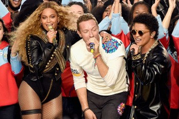 Here's how the Internet is reacting to the Super Bowl halftime show