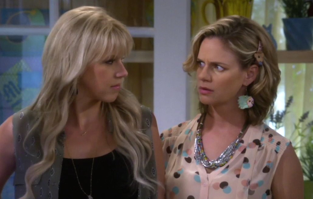 "The full-length ""Fuller House"" trailer is FINALLY here!"