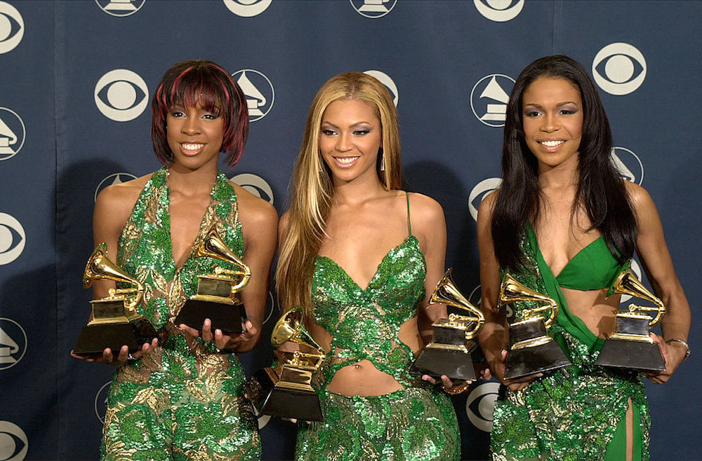13 of the riskiest throwback Grammys looks