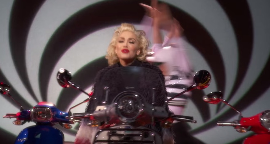 Gwen Stefani filmed her whole new music video during a commercial break at the Grammys