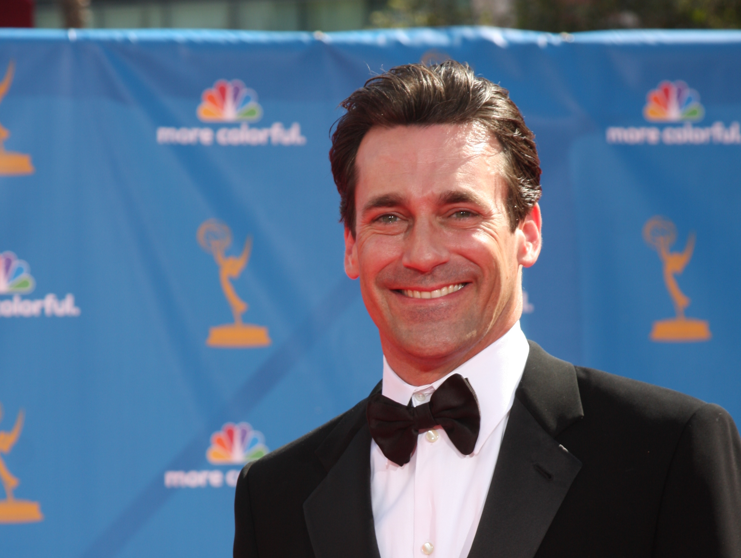 Jon Hamm saved a hummingbird, because he's a friend to all those big and small