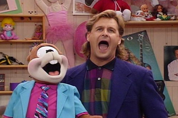 "If ""Fuller House"" gets a Season 2, Dave Coulier wants Joey to be married to this ""Saved By the Bell"" alum"