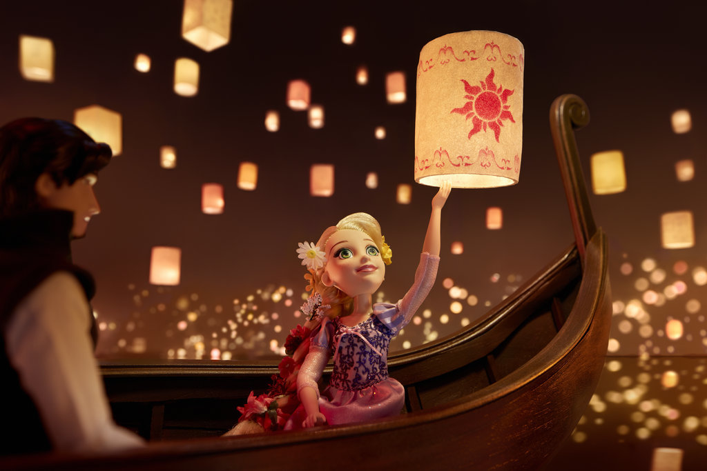 This artist stunningly recreated some of our favorite Disney Princess scenes with dolls