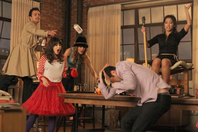 """How do you play True American? The """"New Girl"""" cast tries to explain the drinking game"""