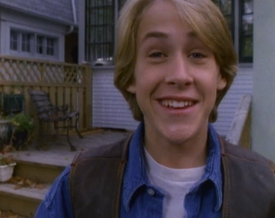 "We can't get over baby Ryan Gosling in this episode of ""Goosebumps"""
