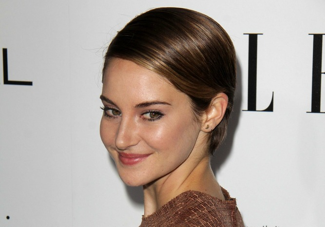 Shailene Woodley's new dark hair is absolutely enchanting