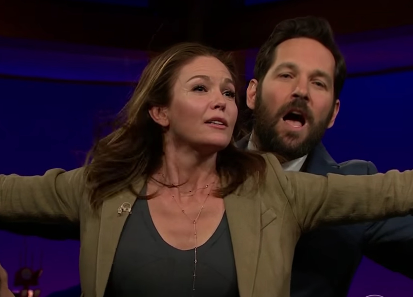 "Diane Lane and Paul Rudd recreated that famous scene from ""Titanic"""