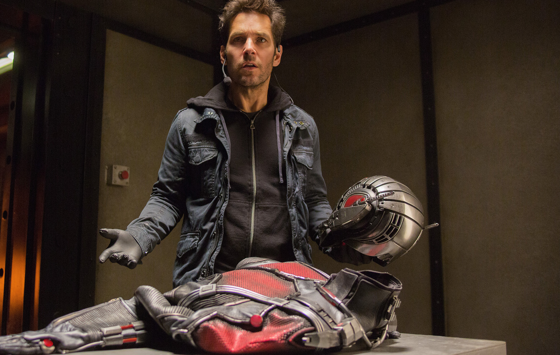 """Paul Rudd felt really weird hanging out with the Avengers for """"Civil War"""""""