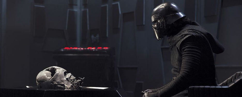 "Kylo Ren almost looked way more like Darth Vader in ""The Force Awakens"""
