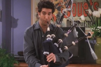 """The One Where we couldn't stop laughing at this resurfaced """"Friends"""" blooper"""