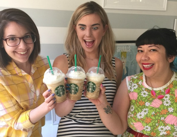 The Caramelized Honey Frappe from Starbucks is here, and we tried it