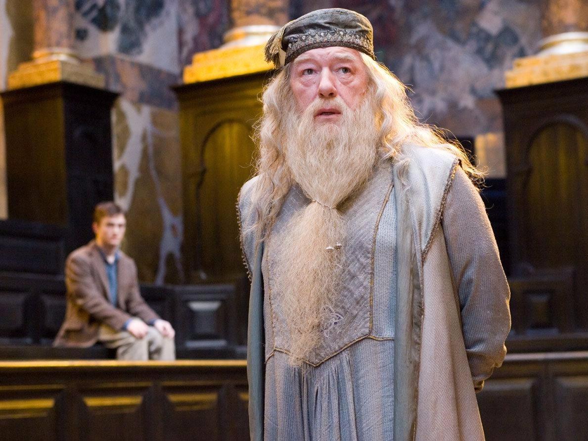 "This detail you probably missed in ""Harry Potter"" totally predicted Dumbledore's death"