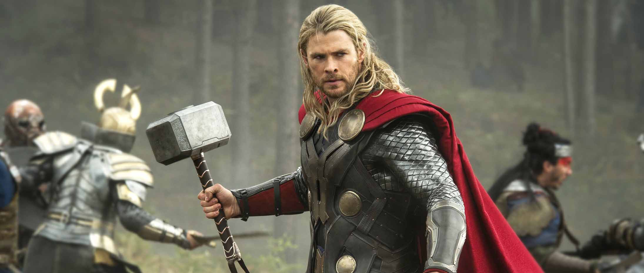 Chris Hemsworth just announced his feminist upbringing, we love him even more