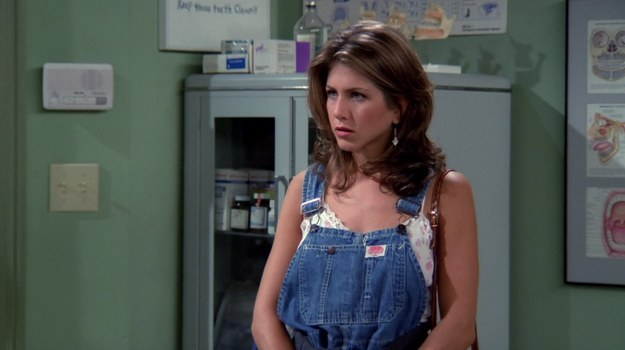 "Jennifer Aniston is keeping her ""Friends"" wardrobe until it's back in style"