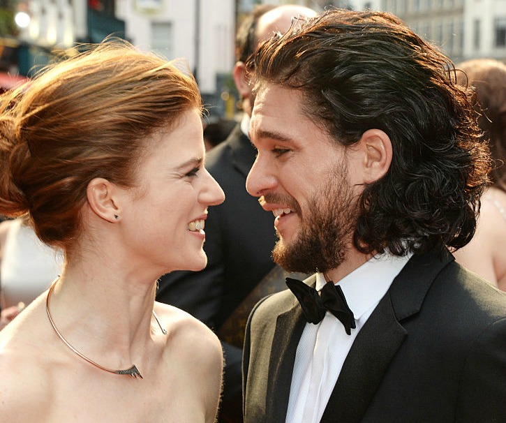 We're swooning over IRL Jon Snow and Ygritte's PDA on the red carpet