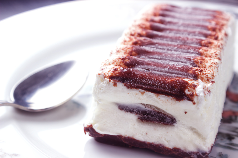 We are completely mesmerized by this video showing how '90s dessert Viennetta is made