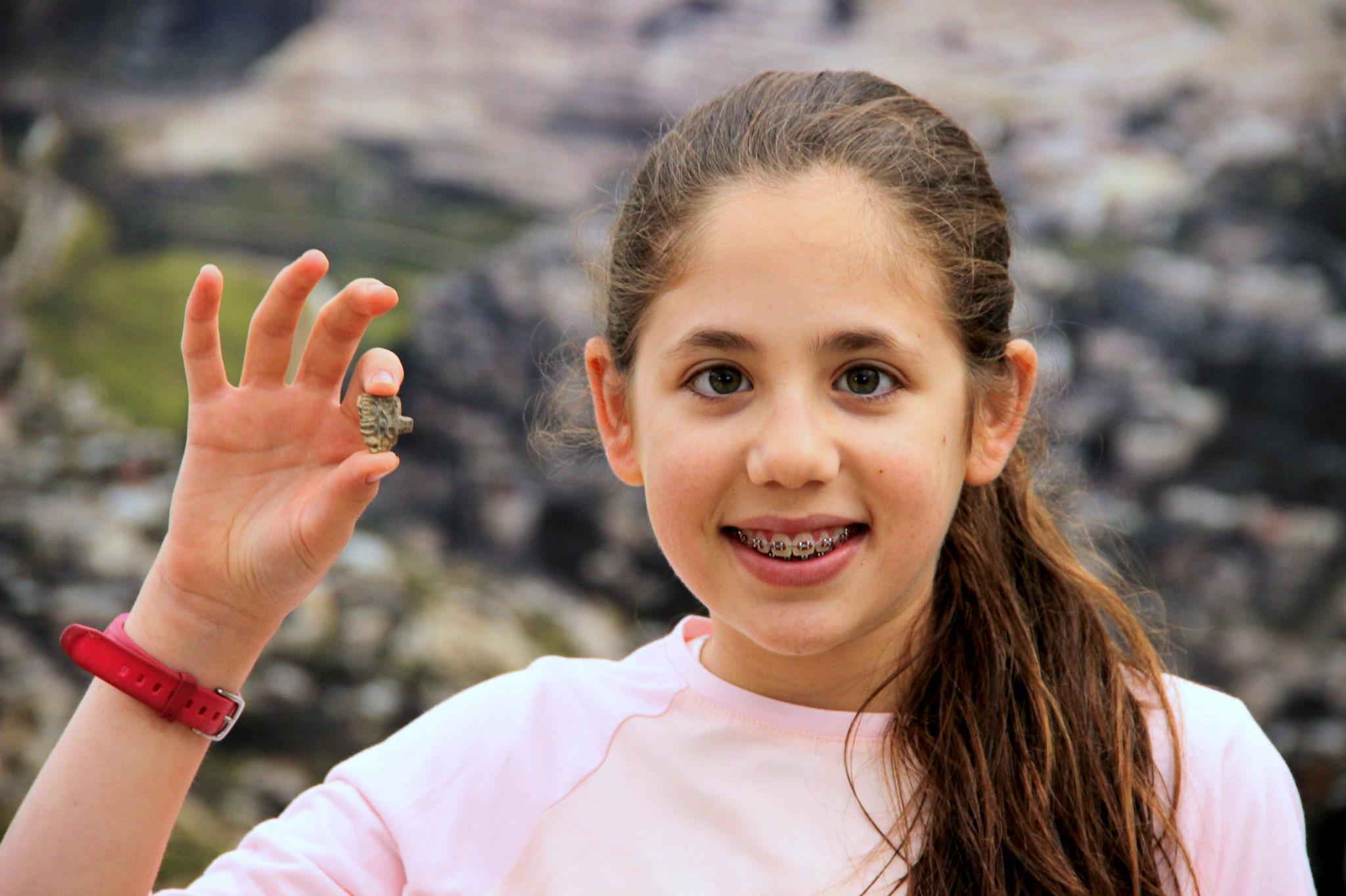 8-year-old girl casually found ancient Egyptian amulet