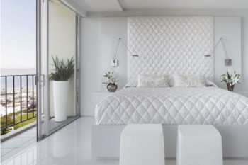 Interior decoration porn for anyone obsessed with all-white apartments