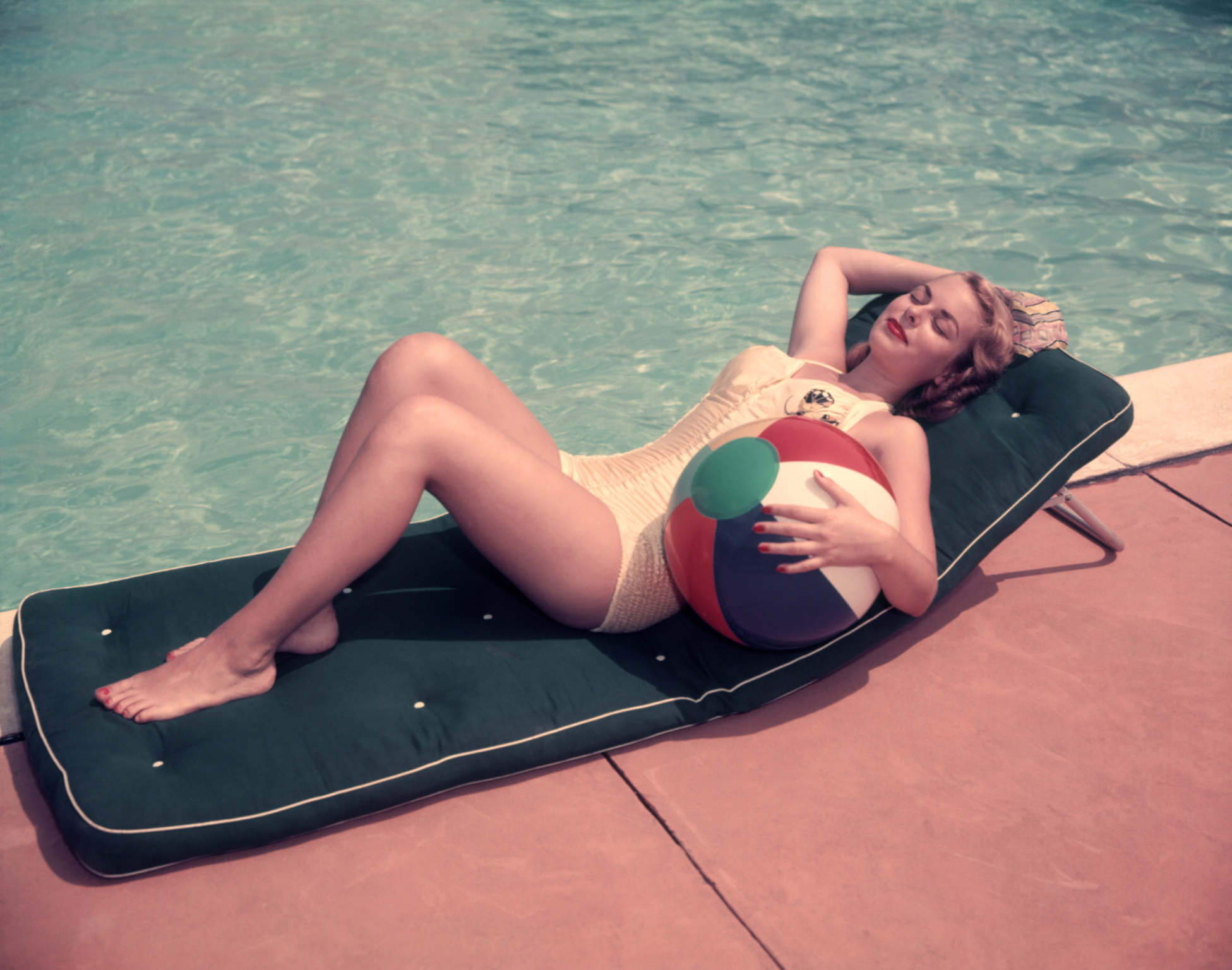 Wearing a swimsuit to work every day taught me to appreciate my body
