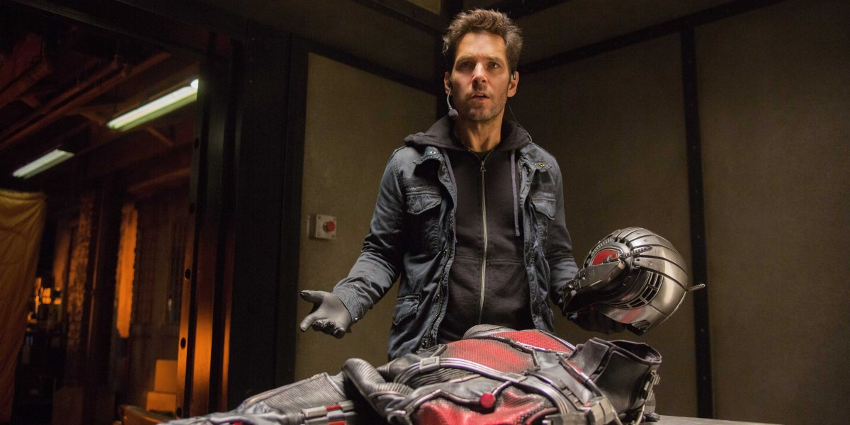 """Paul Rudd lost his mind on the """"Civil War"""" set and stole Captain America's shield"""