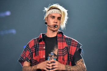 Justin Bieber won't be taking any more fan photos and we totally support him