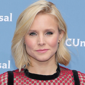 All the applause: Kristen Bell says no one should be ashamed to go to couples' therapy