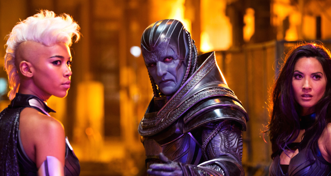 "Oscar Isaac wasn't a fan of the first picture you saw of his ""X-Men"" character"