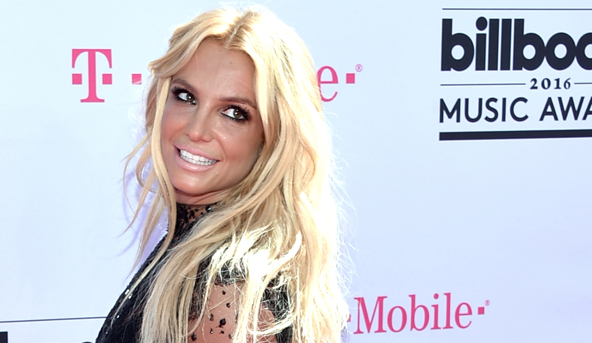 Britney Spears is crushing it in black lace and a train at the Billboard Music Awards