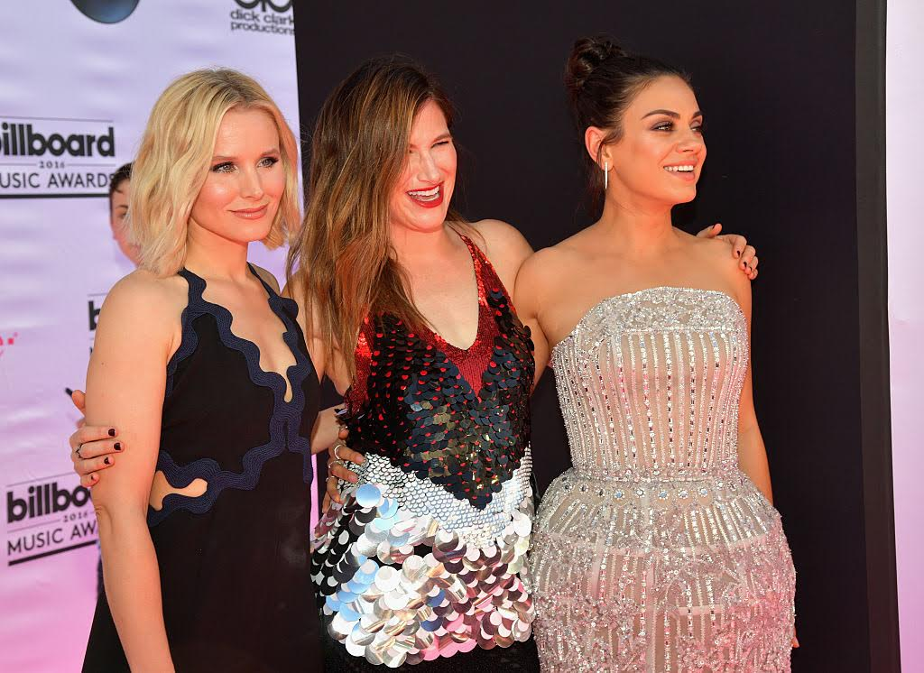 Kristen Bell, Kathryn Hahn, and Mila Kunis are SLAYING at the Billboard Music Awards