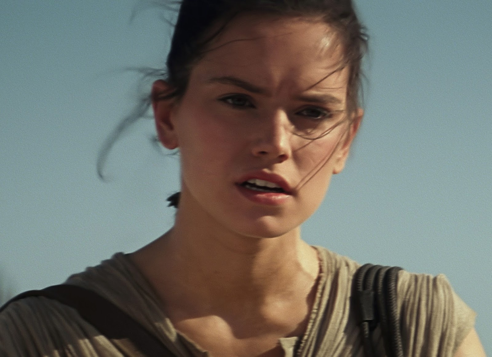 """This theory about who Rey's family is means crazy things for the next """"Star Wars"""" movie"""