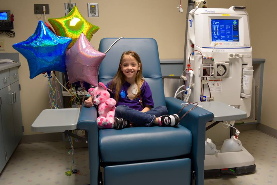 This amazing teacher donated her kidney to her 8-year-old student