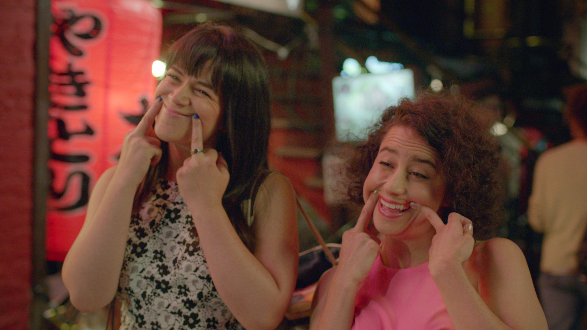 16 gross things you can only do in front of a best friend