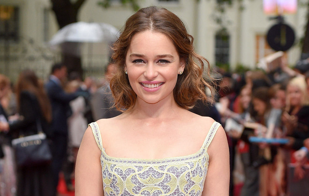 "Emilia Clarke probably wouldn't date her ""GoT"" costars because her ideal man has dad bod"