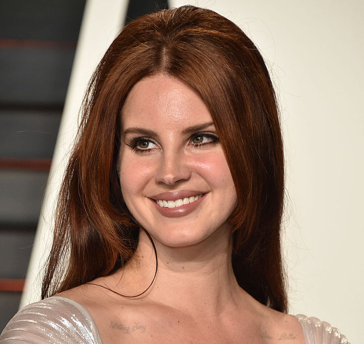 Lana Del Rey's new hair color is THE perfect summer look