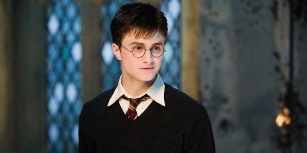 """Why Daniel Radcliffe didn't go see """"Harry Potter and the Cursed Child"""""""