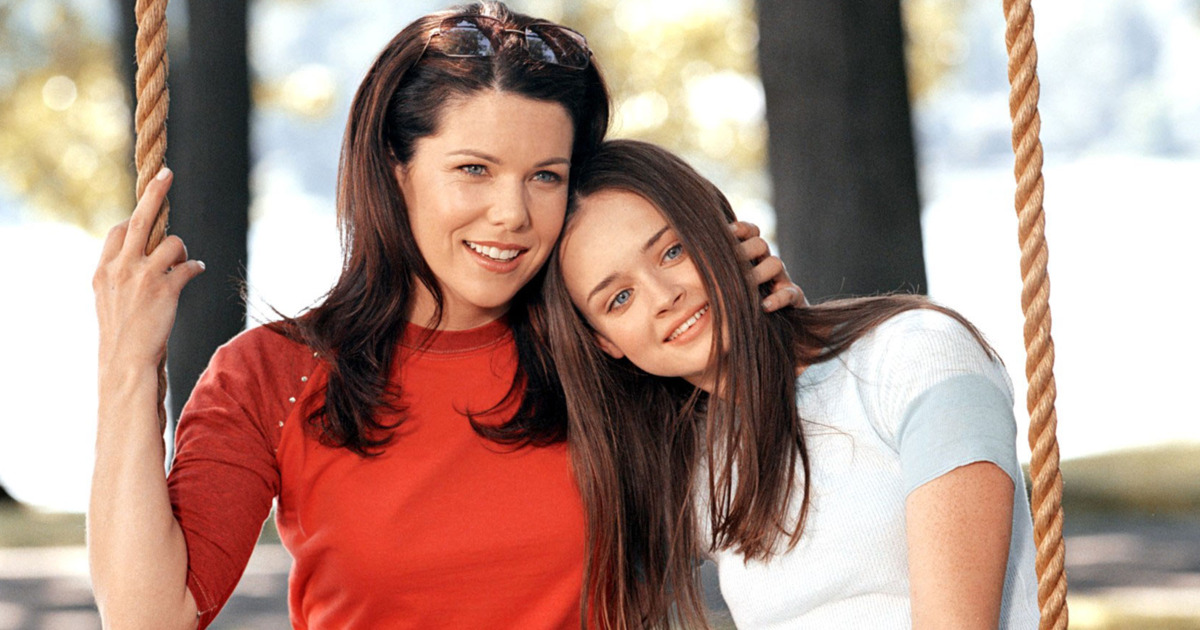 "Sutton Foster just opened up about what it was really like being on the ""Gilmore Girls"" set"