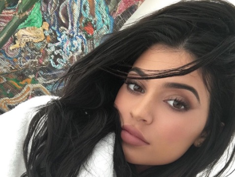 Kylie Jenner casually just started THE fashion trend of the summer