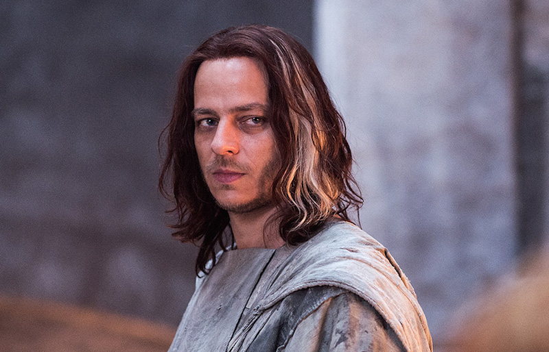 """Game of Thrones'"" Jaqen H'ghar looks so SUAVE in real life"