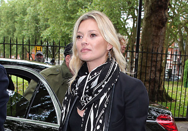 Kate Moss shows us how to wear all-black in summer because she's Kate friggin' Moss